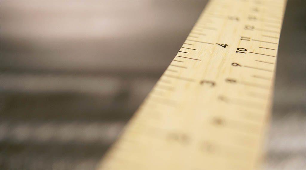 A close up of a ruler